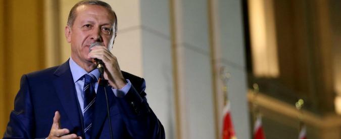 """Siria, Erdogan annuncia l'inizio delle operazioni contro Isis e milizie curde. Pyd: """"Turchia sarà sconfitta come Daesh"""""""