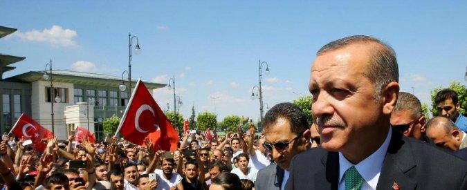 Turchia, professore universitario arrestato (e rilasciato). La sua colpa? Aveva in casa un libro di Fethullah Gülen