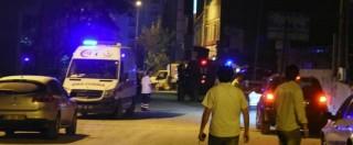 Turchia, attacco kamikaze con camion – bomba contro stazione della polizia: undici morti