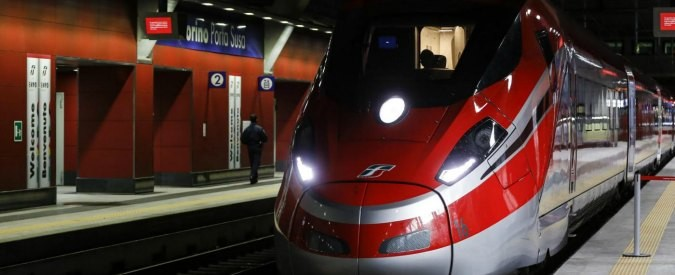 Le proteste dei pendolari dell'Alta Velocità: 'Prima rafforzare il trasporto locale'