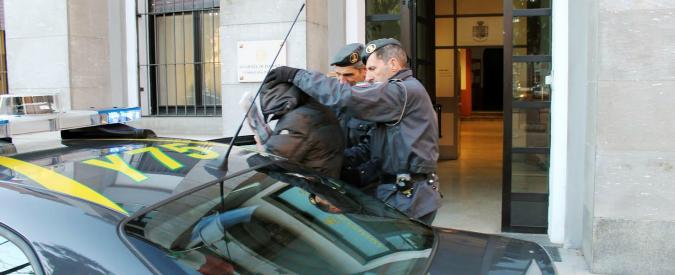 Varese, traffico di droga e ricambi per aerei militari. Gdf arresta 9 tra militari e civili
