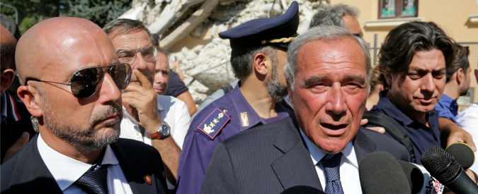 """Terremoto Centro Italia, Grasso: """"Cadono anche gli edifici simbolo dello Stato. Non seguiamo le regole"""""""