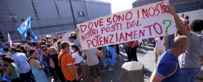 Scuola, a Napoli e Palermo docenti protestano contro l'esodo da Sud a Nord