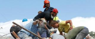 """Terremoto Centro Italia, la diretta. I morti sono 281. Sindaco Amatrice: """"Paese da radere al suolo"""". """"Ad Accumoli terreno si è abbassato di 20 cm"""" (FOTO)"""