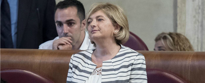 """Paola Muraro, """"consulenze all'Ama grazie a rapporto privato con l'ex dg Fiscon"""". L'assessore su Fb: """"Sciacallaggio"""""""