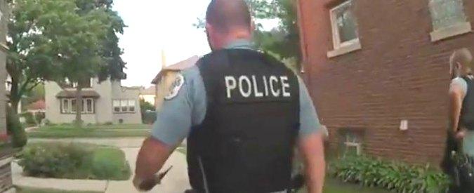 Chicago, agente bianco spara a 18enne afroamericano disarmato: la polizia diffonde il video dell'uccisione