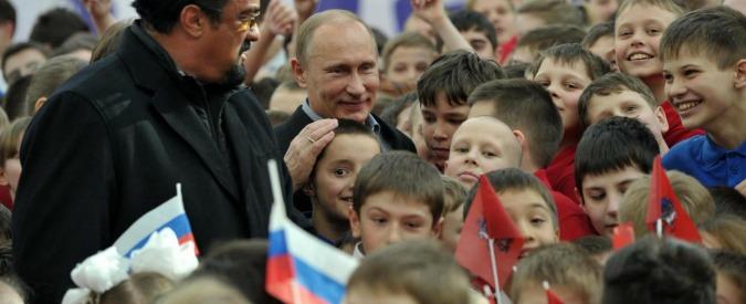 """Russia, nasce l'""""Esercito dei bambini"""": i giovani pionieri dell'era Vladimir Putin"""