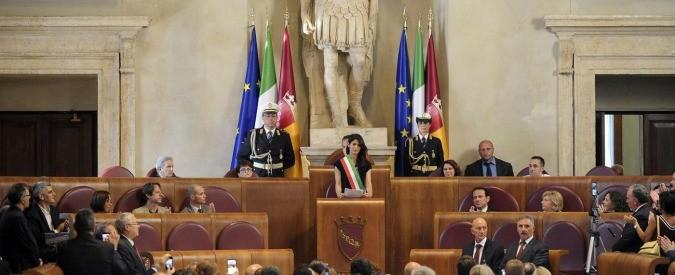 Roma, anche i consiglieri M5s si chiamano 'onorevoli'? Ma mi faccia il piacere!