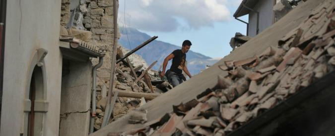 """Terremoto centro Italia, esperti: """"Decine di repliche, situazione imprevedibile. Non escluse scosse come la principale"""""""