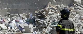 """Terremoto, """"prevedibile, avviene di notte e con il caldo"""": tutte le bufale sui sismi"""