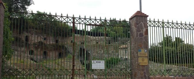 Teano, teatro romano chiuso da cinque mesi: mancano 15mila euro per metterlo in sicurezza