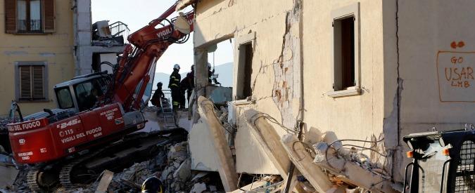 """Terremoto Centro Italia, Procura di Rieti: """"Carte importanti per l'inchiesta tra le macerie del municipio di Amatrice"""""""