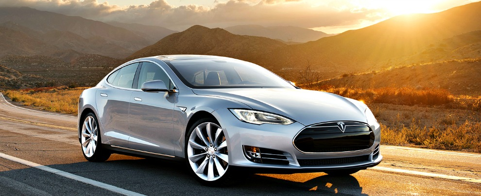 Tesla, la Model S si hackera così. Basta un portatile a pochi metri di distanza – VIDEO