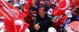 """Turchia, oltre un milione in piazza a Istanbul con Erdogan. Il presidente: """"Sì alla pena di morte se il Parlamento vota a favore"""""""