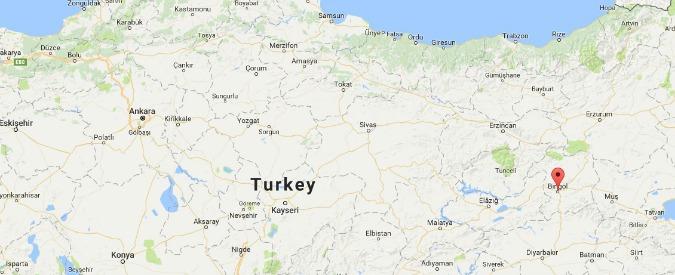 Turchia, attentato contro la polizia: 5 agenti morti in esplosione nel sud-est