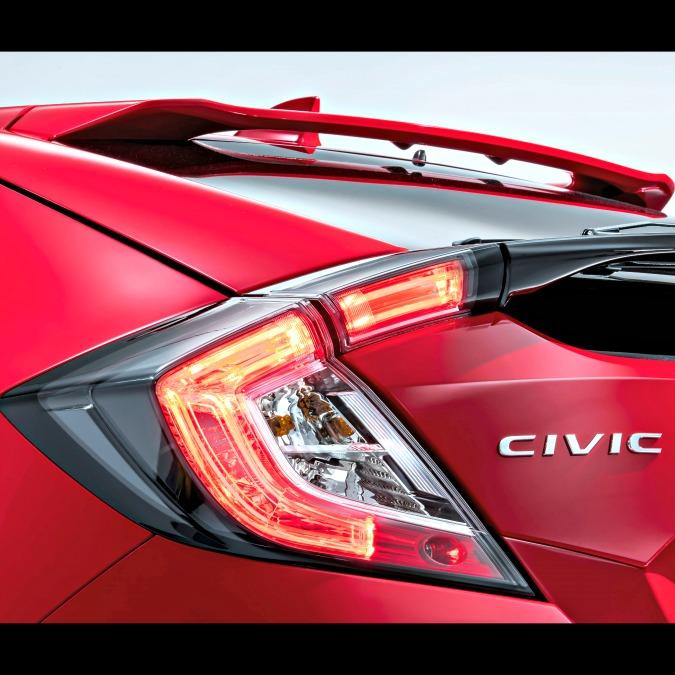 """Salone di Parigi 2016, ecco il primo """"pezzo"""" della nuova Honda Civic"""