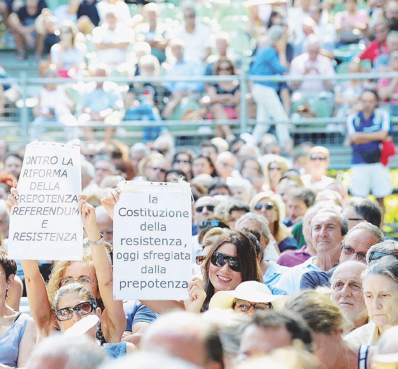Referendum, bufale, leggi e libri: scatti dalla Festa del Fatto