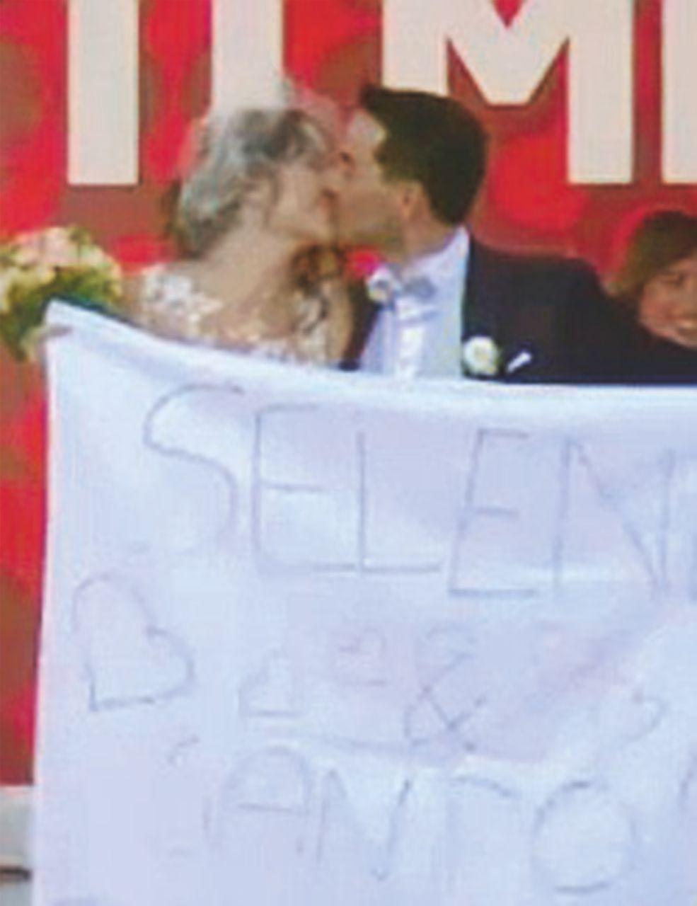 Un Sì è per sempre: la trovata del matrimonio alla festa dell'Unità