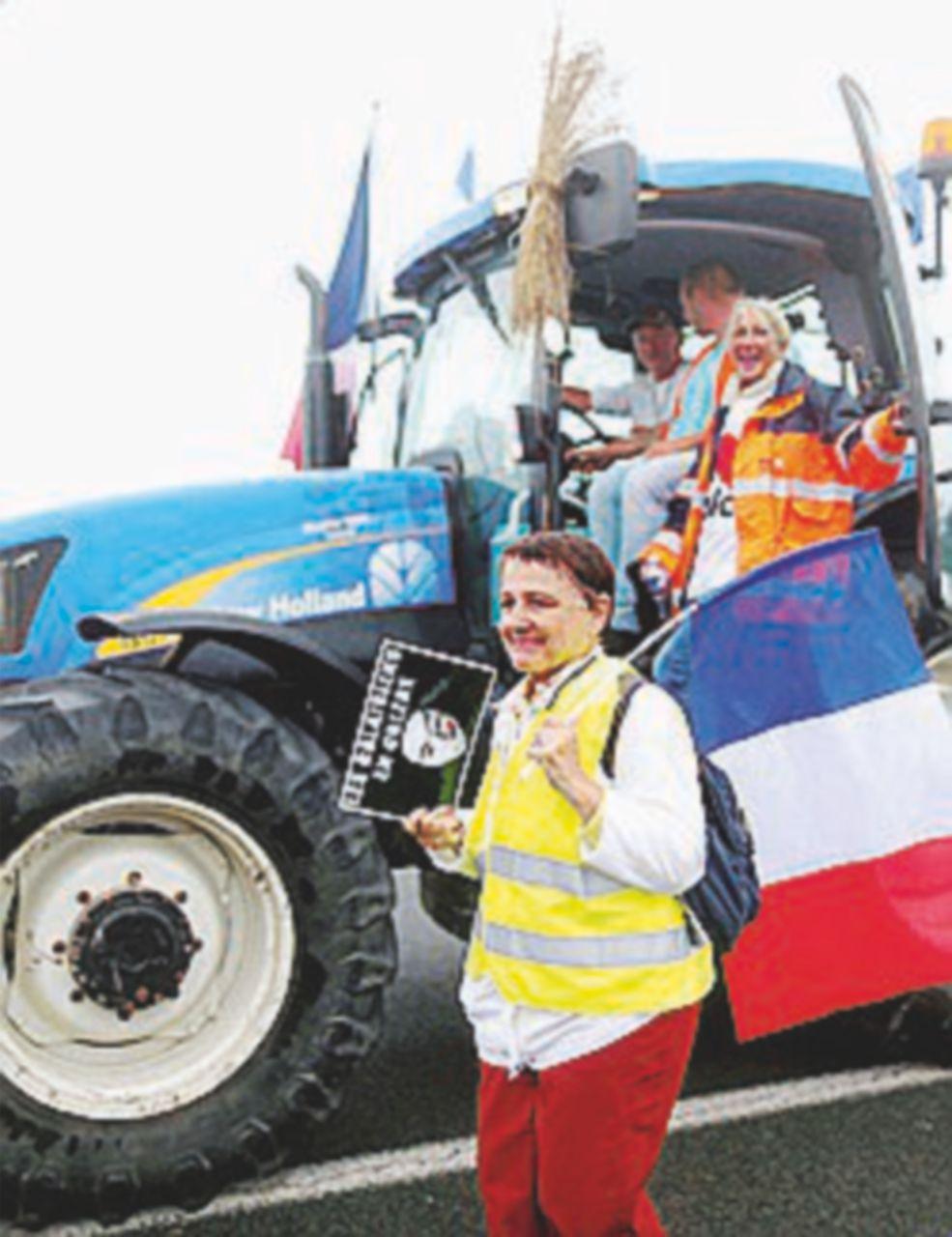 """Calais, camionisti e agricoltori: """"Sgomberate la giungla"""""""