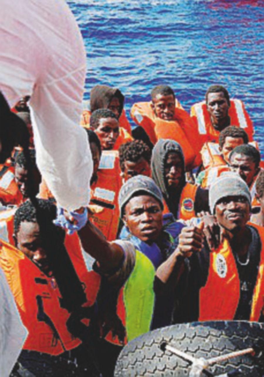 Migranti, altri morti in mare: 2700 soccorsi della Guardia costiera