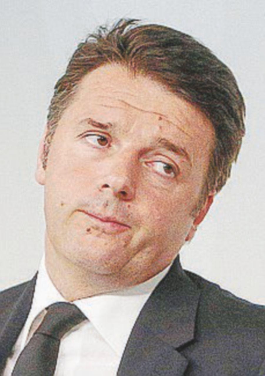 """Renzi accusa: """"I grillini prendono un fracco di soldi"""""""