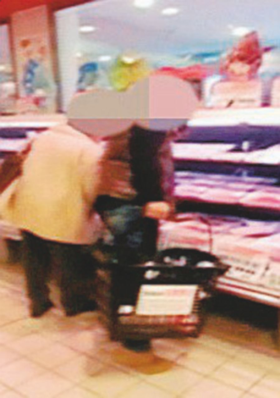 Timbravano, poi fuori a fare shopping: 29 statali denunciati
