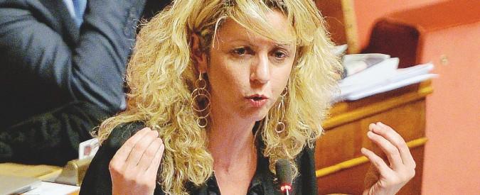"""M5s, la senatrice Lezzi dopo il caso Roma: """"Il direttorio va allargato: 5 persone non bastano"""""""