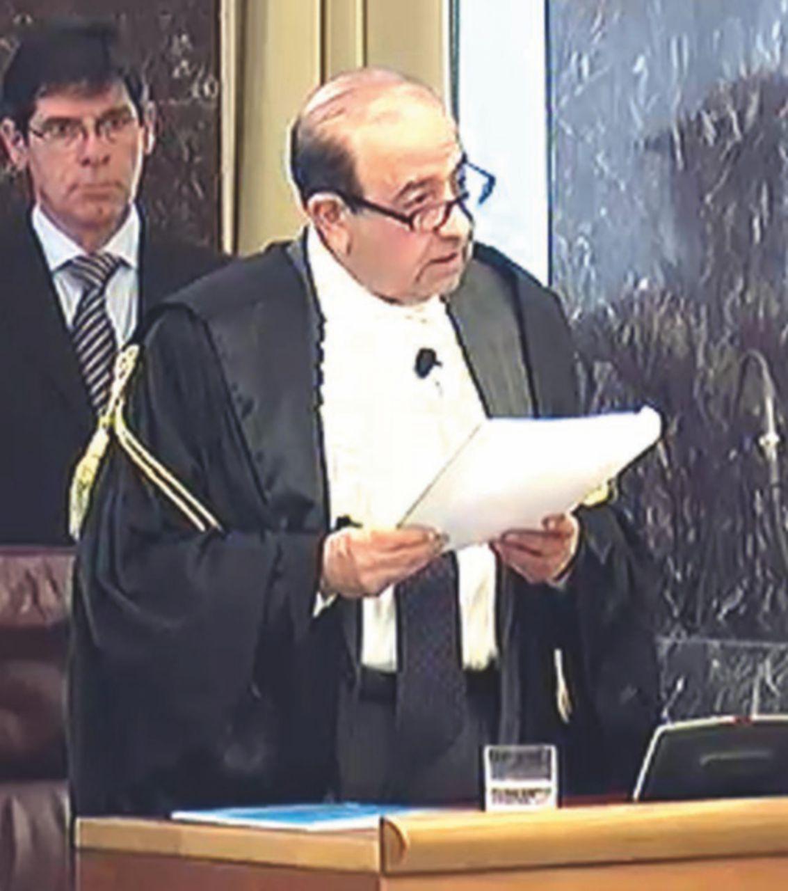 Il talento teatrale di Raffaele De Dominicis, assessore ripudiato ma forse ancora in carica