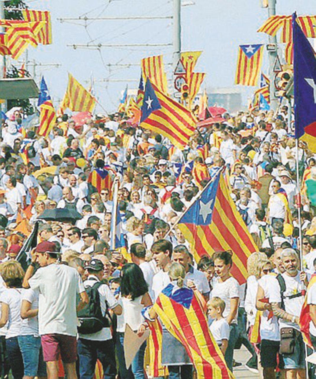 Senza governo a Madrid. A Barcellona sfila l'orgoglio indipendentista