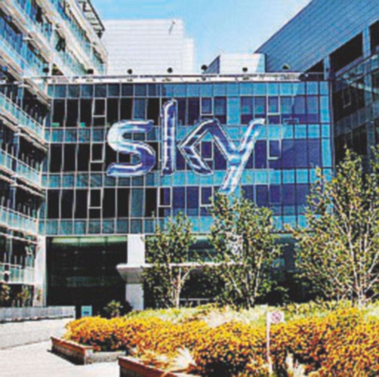"""Ora Sky prova a superare i talk con i """"Racconti del reale"""""""