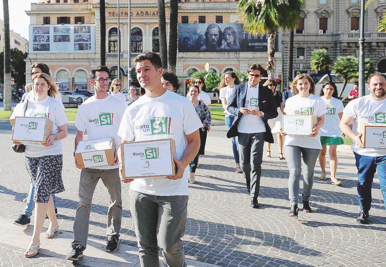 In Edicola sul Fatto Quotidiano del 16 settembre: il Comitato per il Sì senza soldi