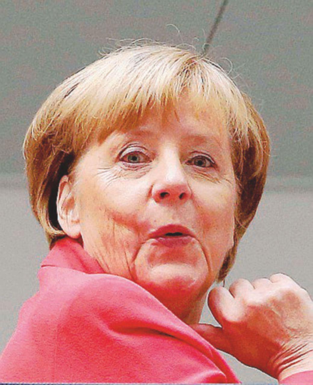Merkel malconcia rialza il muro di Berlino