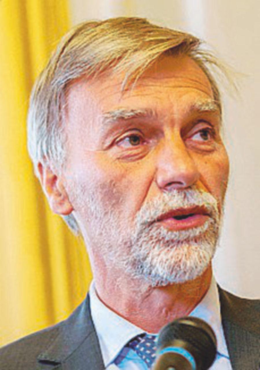 Viareggio, Delrio difende Moretti. Le vittime: vergogna