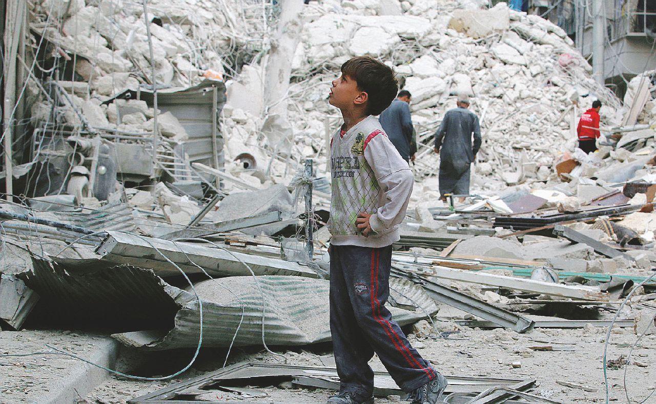 I bambini di Aleppo e il film dell'orrore: altri cento morti