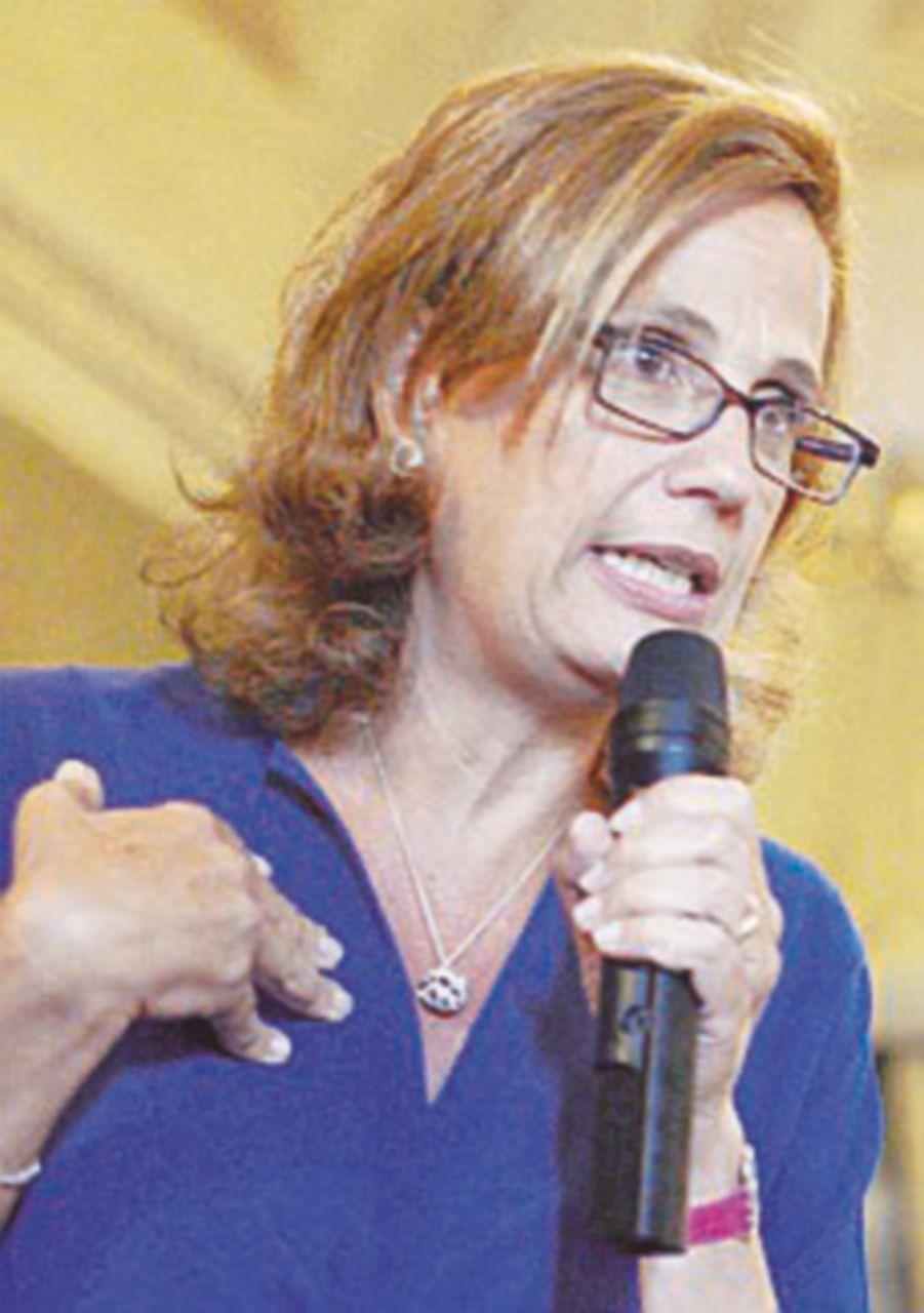 La Camera accetta le dimissioni di Capua. Il Pd attacca i 5Stelle
