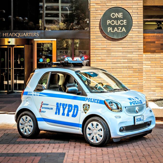 Addio ai vecchi tri-ruota, per la polizia di New York ci sono le Smart For Cops – FOTO