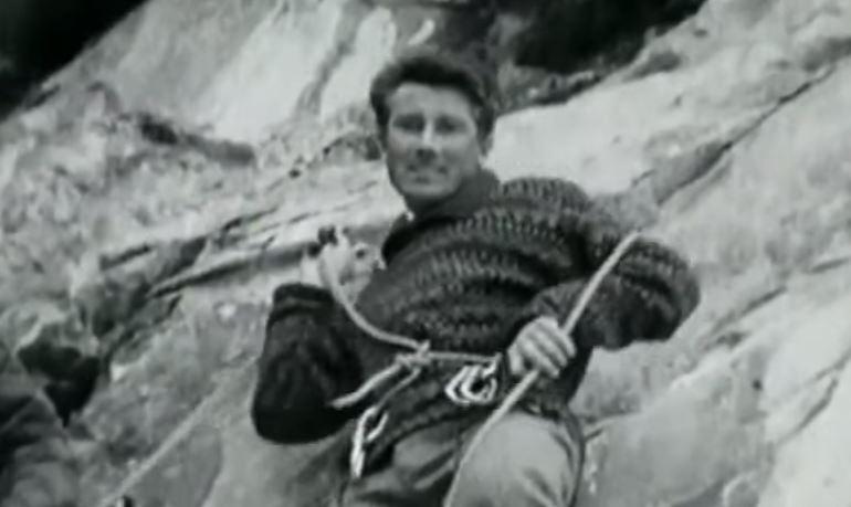 25bd56e7a Walter Bonatti, 25 foto e 25 frasi per conoscere il Re delle Alpi ...