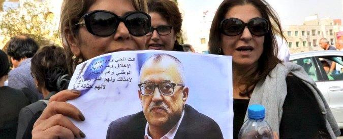 """""""Vignetta offensiva per l'Islam"""", assassinato davanti al tribunale lo scrittore giordano Nahed Hattar"""