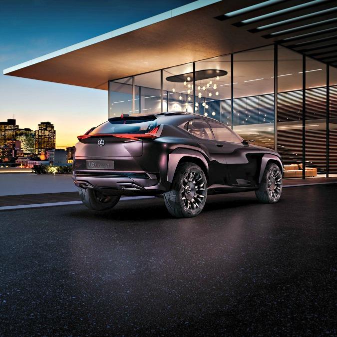 Lexus UX, il prototipo per i giovani sbarca a Parigi