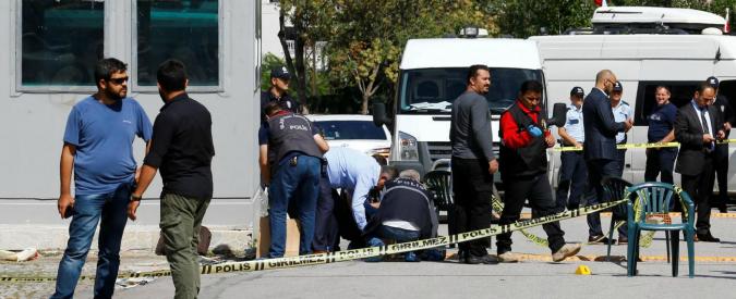 """Turchia, attacco all'ambasciata di Israele ad Ankara. Ferito assalitore: """"Non è terrorismo"""""""