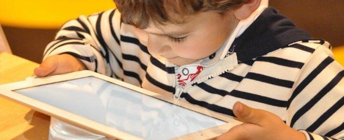 Figli e tecnologia, togliete quei dannati smartphone dalle mani dei bambini
