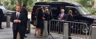 New York, malore per Hillary Clinton: barcolla e lascia la cerimonia per le vittime dell'11 settembre – Video