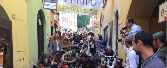 Coppa Cobram, a Desenzano del Garda si corre la gara più tragicomica di sempre: tra discese alla Bersagliera e salvifiche bombe (FOTO)