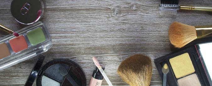 Cina primo Paese al mondo per uso di animali nell'industria cosmetica: oltre 300mila esemplari per testare prodotti
