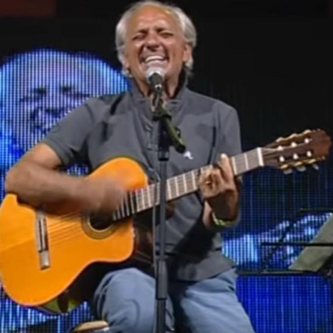 Carlo D'Angiò morto: Napoli perde un'altro cantore della sua storia in musica