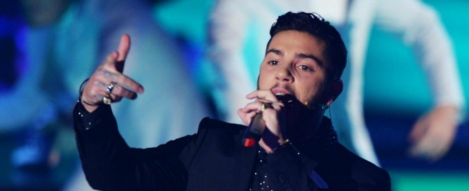 Cari cantanti, lasciatevi insultare (sui social)