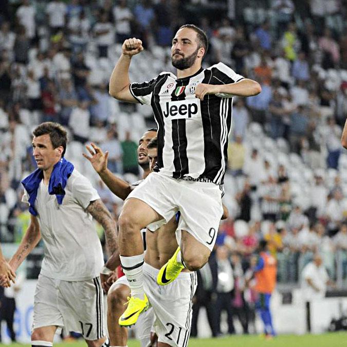 Ten talking points. Chiudete tutto, almeno finché Higuain gioca così. Napoli-Inter: campionato per il secondo posto