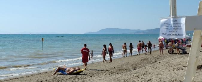 Versilia, due milioni dalla Regione per depurare il mare. Con un disinfettante non previsto dalle leggi ambientali