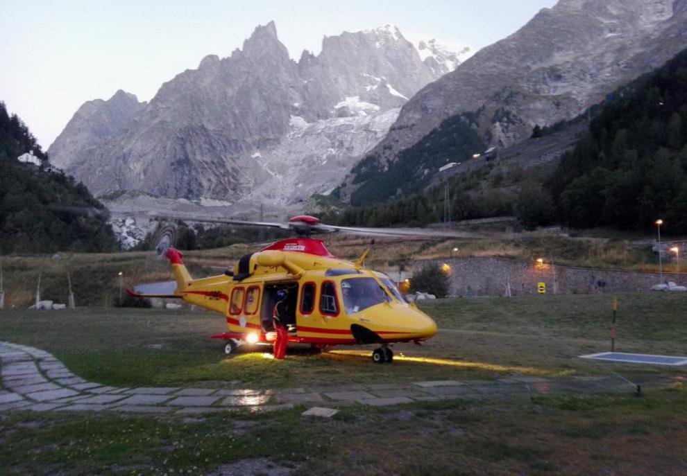 Monte Bianco, 45 persone bloccate sulla cabinovia a 3mila