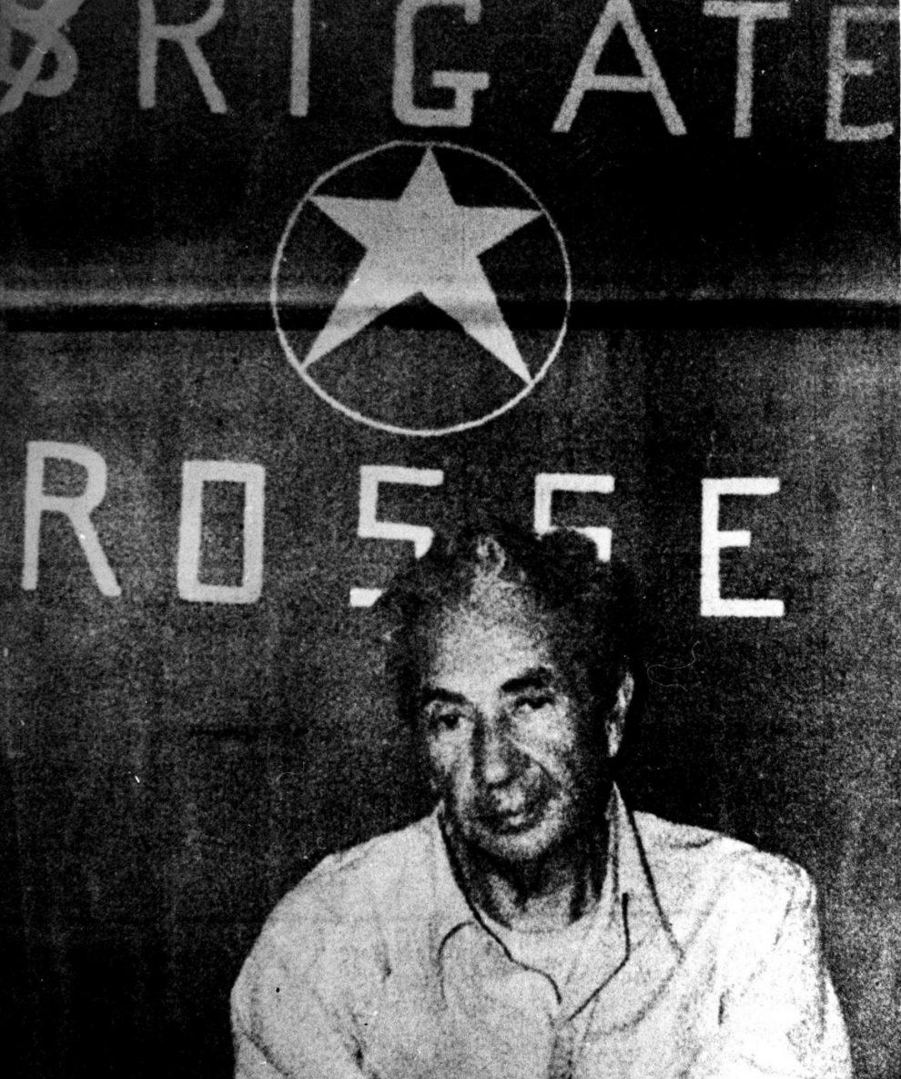 """La foto di Moro detenuto dalle BR nella cosidetta """"prigione del popolo"""""""